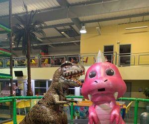 Les dinosaures débarquent à Okidok