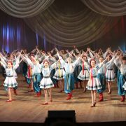 Flowers of Ukraine - Grand Show de danse folklorique et cirque Ukrainien