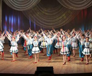Flowers of Ukraine - Grand Show de danse folklorique et cirque Ukrainien