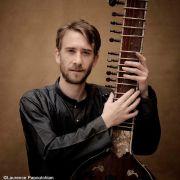 Exposé-concert de musiques indiennes - Sitar et Surbahar - Nicolas Delaigue