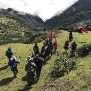 Les Q'eros des Andes péruviennes en pèlerinage au sanctuaire du Seigneur de Quyllurit'i