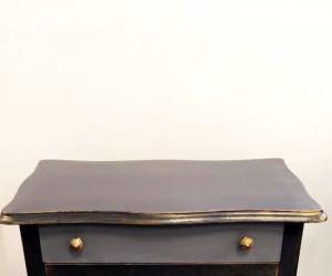 Braderie de meubles relookés