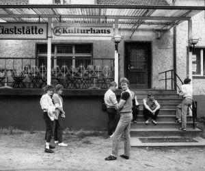 Plein Est - Vivre en RDA [exposition photographique] - Harald Hauswald & Stefan Wolle