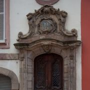 Portes et portails remarquables des maisons strasbourgeoises