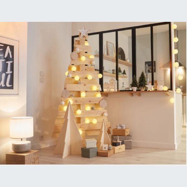 atelier cr er son propre sapin de no l en bois. Black Bedroom Furniture Sets. Home Design Ideas