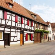 10 Faits qui prouvent que vous habitez dans un petit village alsacien