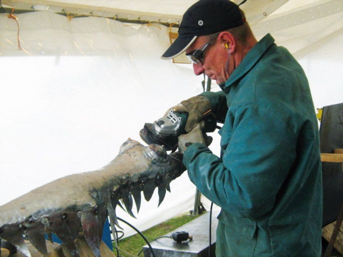 Le sculpteur Christophe Joannes à l\'oeuvre