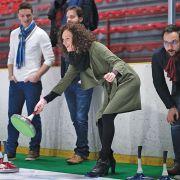 A la patinoire de Colmar, on peut jouer à «la pétanque sur glace»
