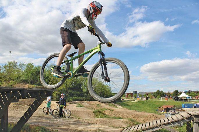 Le bike park de Wittenheim compte 10 pistes, à la difficulté croissante: vertes, bleues, rouges et noires