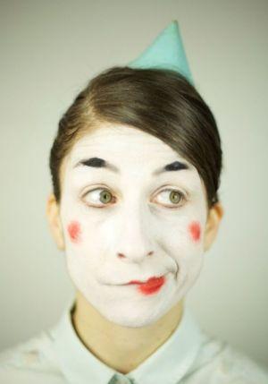 Ami-Ami, Clown Solo