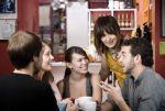 Le salon de thé est un excellent endroit pour se retrouver entre amis autour d\'une boisson chaude