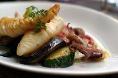 La préparation du poisson et des fruits de mer demande beaucoup de technique