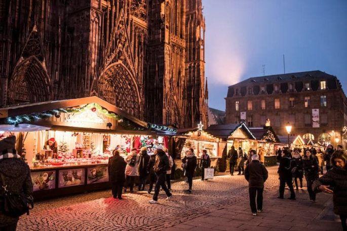 Au pied de la grande dame, le marché de Noël de la Cathédrale