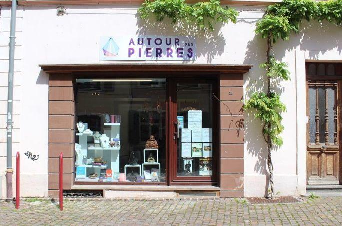La Boutique Autour des Pierres, rue des Franciscains à Mulhouse