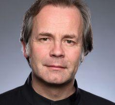 Axel Kober dirige les musiciens de l\'OPS