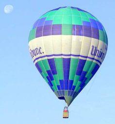 Le vol en montgolfière, c\'est l\'occasion d\'admirer l\'Alsace du ciel.