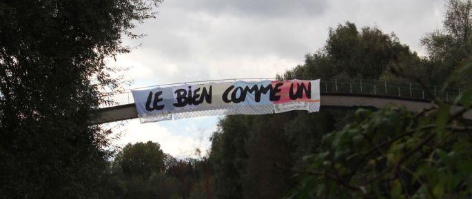 Une banderole signée Pierre Fraenkel