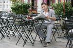 Que ce soit pour se détendre seul ou entre amis, les bars et cafés d\'Alsace sont là.