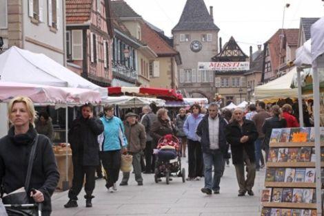 Braderie et fête foraine dans les rues de Rosheim