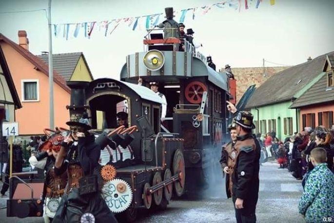 Les chars défilent dans les rues de Dessenheim