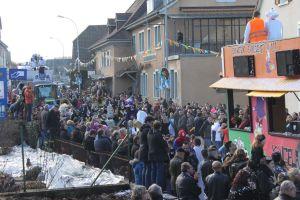 https://www.jds.fr/medias/image/carnaval-a-leymen-cavalcade-rues-deguisement-gugga-110121