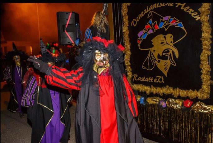 Le défilé nocturne du Carnaval de Seltz