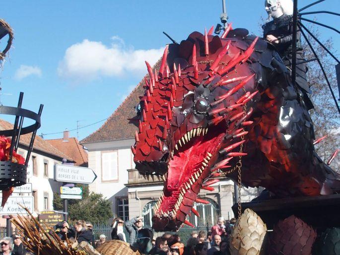 Les féroces dragons de Games of Throne parcourent les rues de Sélestat