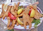 Carpe, frite, mayonnaise et semoule, c\'est le secret de la carpe frite, recette typique du Sundgau.