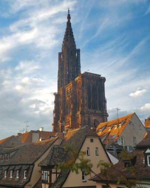 La cathédrale de Strasbourg au soleil couchant