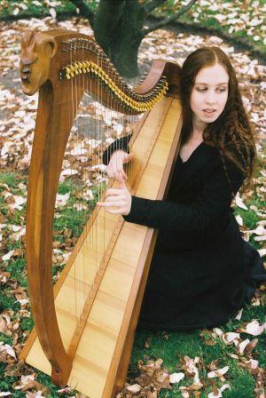 Cécile Corbel et sa harpe