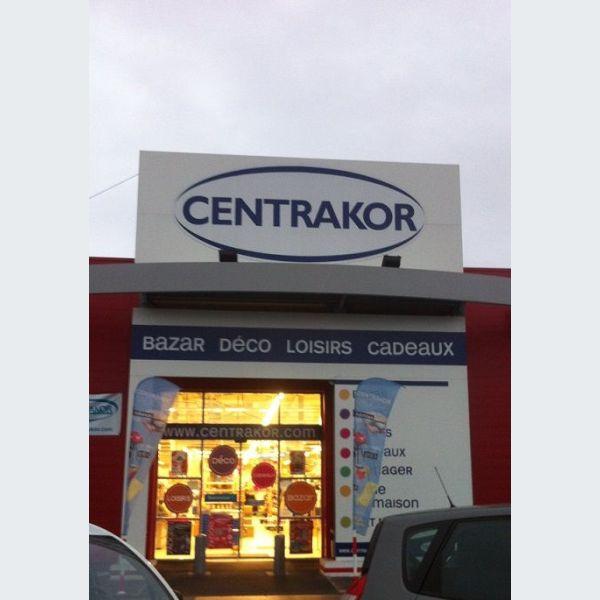 Centrakor wittenheim meubles luminaire et d co for Meuble tv centrakor