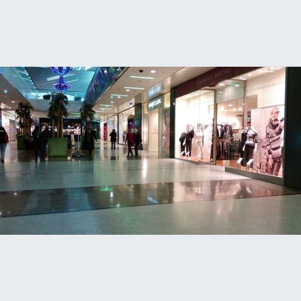 Centre commercial porte jeune mulhouse galerie et centre for Galerie exterieure