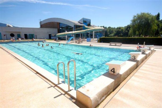 Le centre nautique Aquavallées possède deux bassins intérieurs et un bassin extérieur ouvert en été