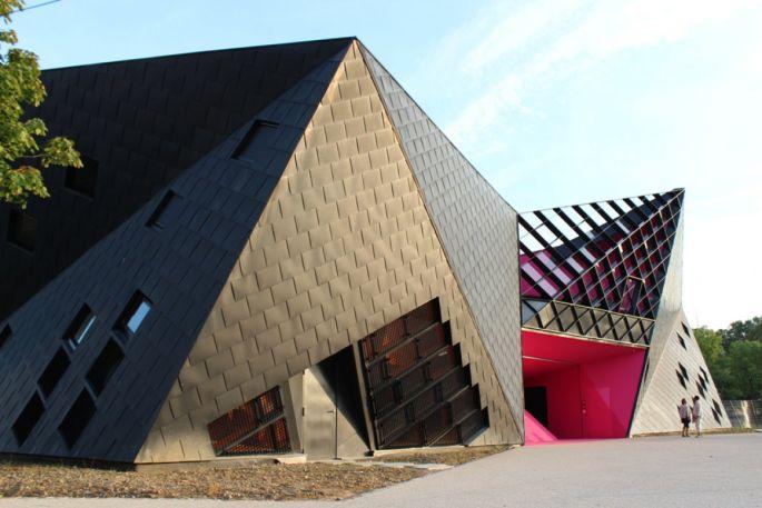L\'origami a été conçu par l\'architecte Paul Le Quernec
