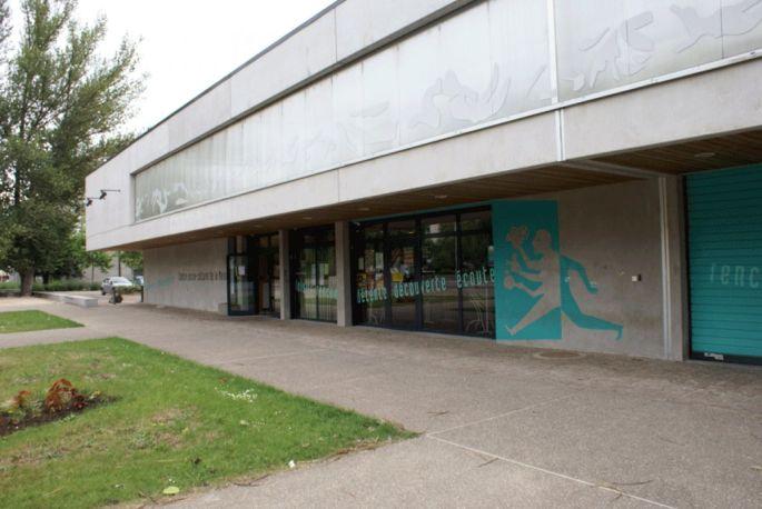 Le centre socio-culturel de la Meinau est situé dans le même bâtiment que la bibliothèque