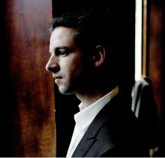 Bertrand Chamayou, le pianiste s\'attaquera à un concerto de Chostakovitch aux Dominicains