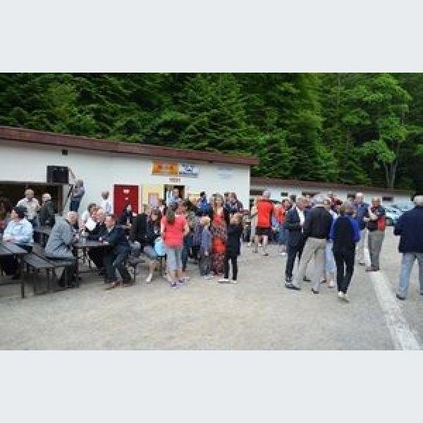 Championnat du monde de quilles des steinbach quilles for Championnat du monde de boules carrees