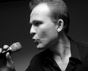 Chanteur professionnel, «Plaisir Musique» est spécialiste des prestations musicales