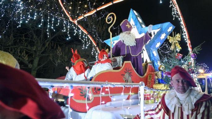 Le char de Saint Nicolas défile dans les rues de Yutz