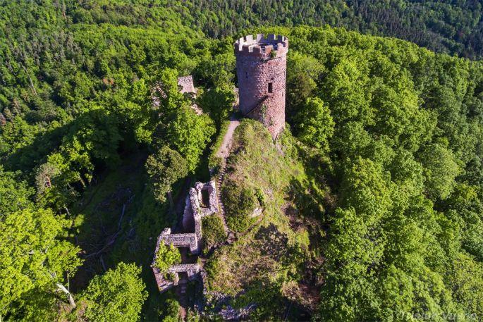 Vue aérienne du château du Haut Ribeaupierre