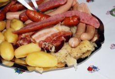 La choucroute, probablement le plat le plus célèbre d\'Alsace !