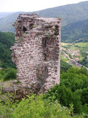 Les ruines du Bilstein  offrent un panorama exceptionnel sur la vallée de Villé