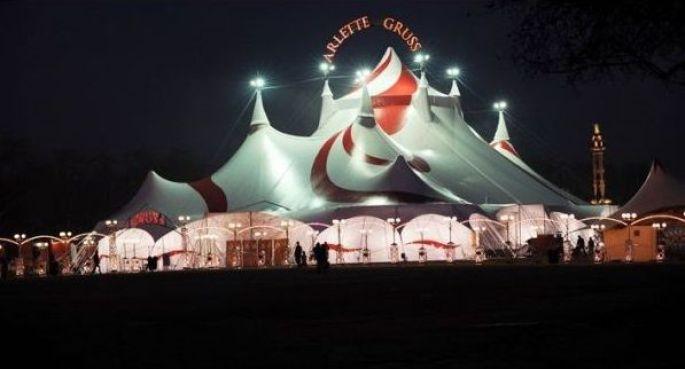 Le chapiteau du cirque Arlette Gruss