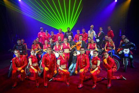 Cirque Arlette Gruss : Poussière d\'étoile - tournée 2011 à Mulhouse et Colmar
