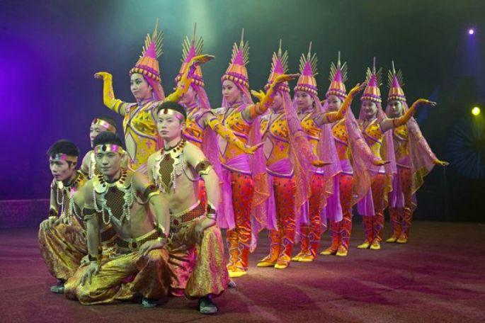 Des artistes du monde entier vous donnent rendez-vous au cirque Arlette Gruss
