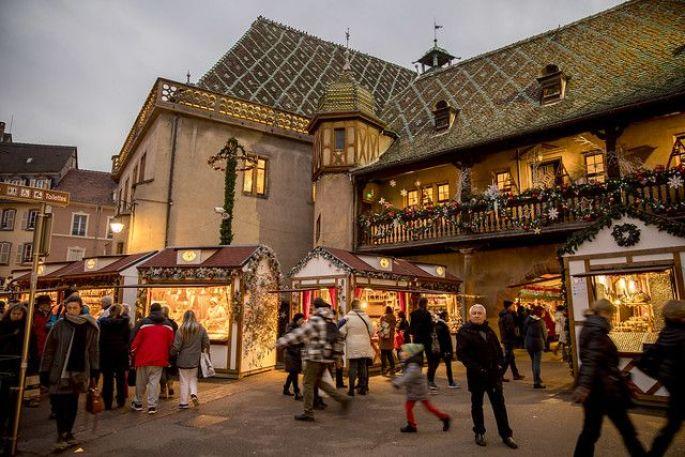 La Place de l\'Ancienne Douane accueille aussi son marché de Noël à Colmar