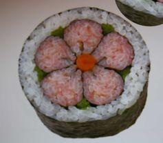 Maki sushi décoratif enseigné lors du cours de cuisine