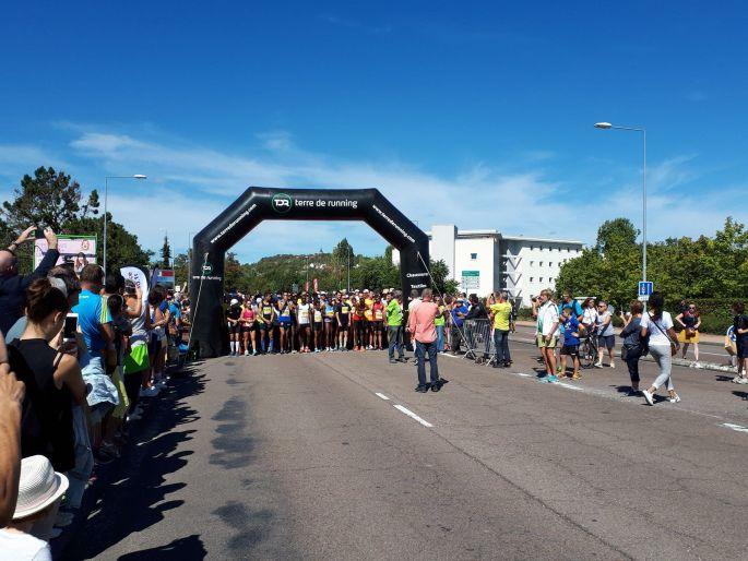 Quelque 1 500 coureurs participent à la Course du Bien public à Dijon