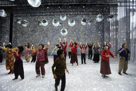 Les grands-mères coréennes dansent