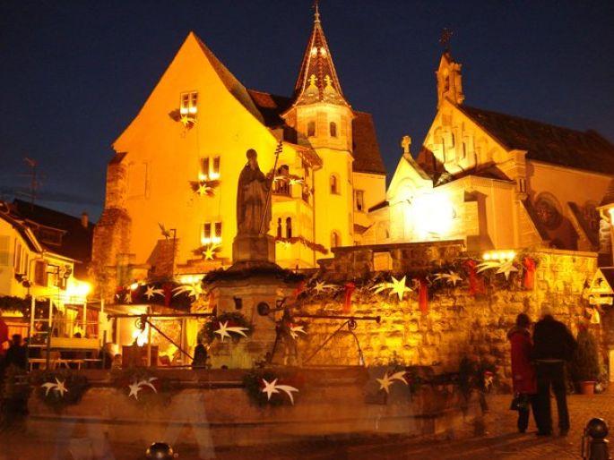 La place du château se pare de magie